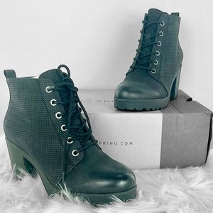 ✨NWT✨ Combat Heels by Call it Spring